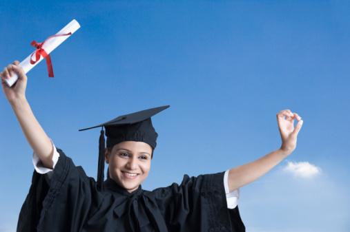 Jornalista deve fazer outra Graduação ou uma Pós em Jornalismo?