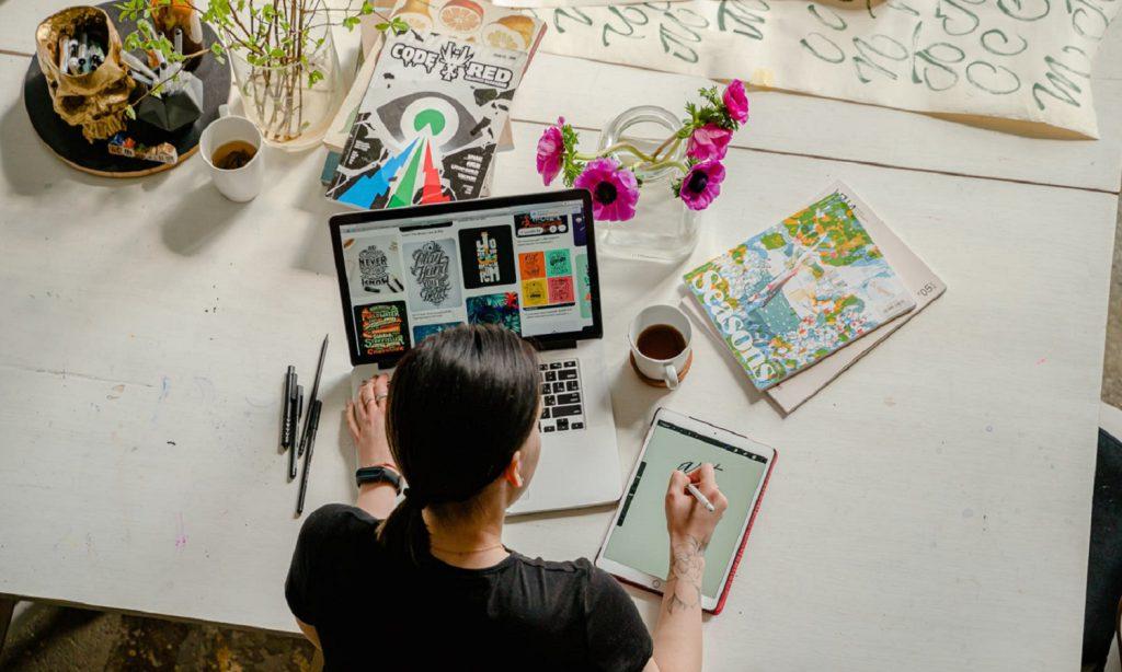 O Social Media deve fazer as artes do cliente?